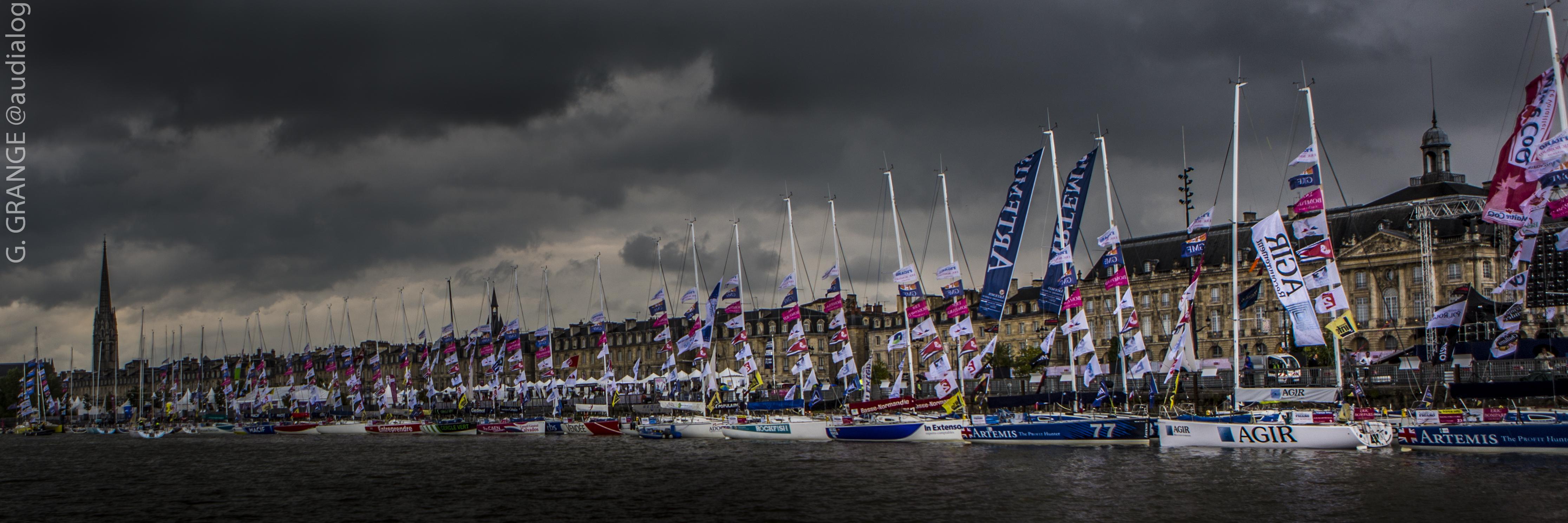 Voiliers de la Solitaire du Figaro à quai a Bordeaux